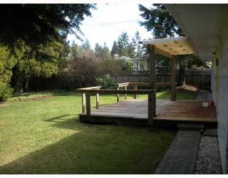 """Photo 2: 4010 SUNNYCREST Drive in North_Vancouver: Forest Hills NV House for sale in """"FOREST HILLS"""" (North Vancouver)  : MLS®# V758304"""