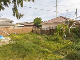 Photo 8: 3123 E 4TH Avenue in Vancouver: Renfrew VE House for sale (Vancouver East)  : MLS®# R2106855