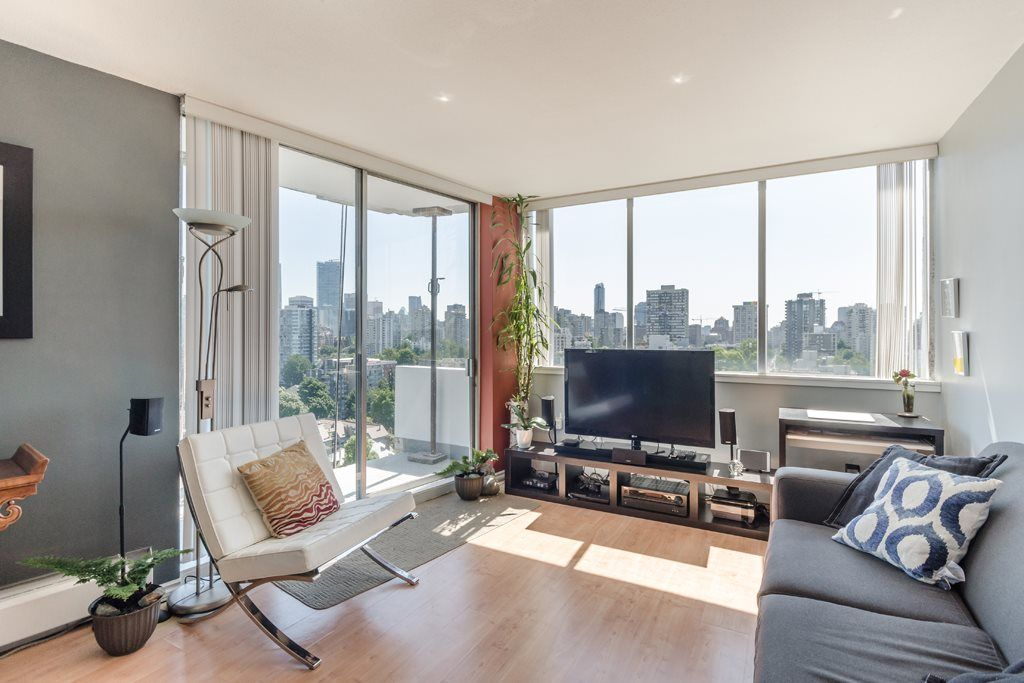 """Main Photo: 2105 1251 CARDERO Street in Vancouver: West End VW Condo for sale in """"THE SURFCREST"""" (Vancouver West)  : MLS®# R2190584"""