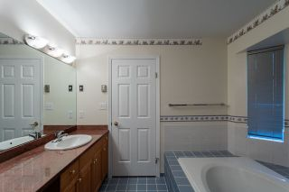 Photo 11: 2373 OTTAWA Avenue in West Vancouver: Dundarave House for sale : MLS®# R2126482