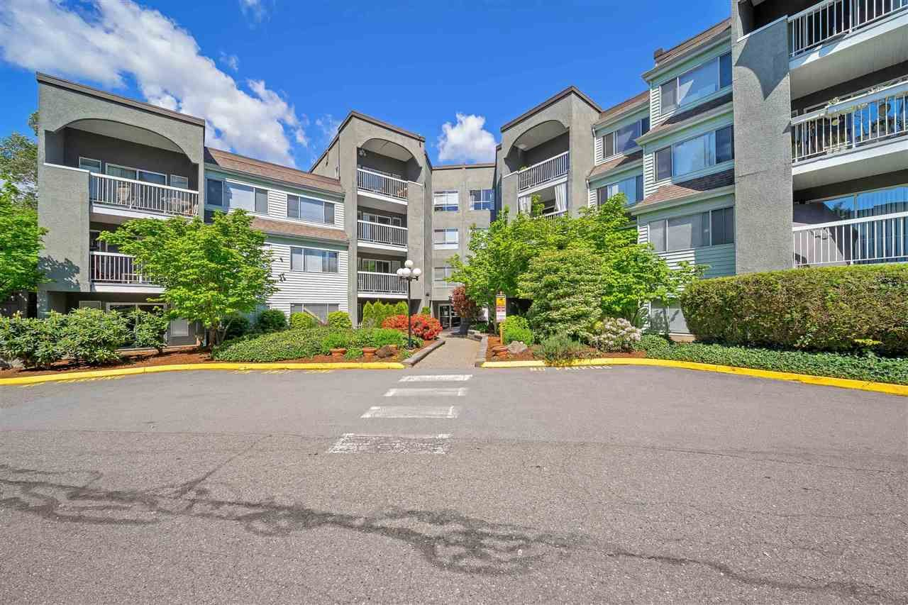 "Main Photo: 313 5700 200 Street in Langley: Langley City Condo for sale in ""Langley Village Apartments"" : MLS®# R2574997"