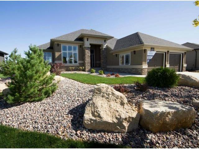 Main Photo: 30 BENSON Drive in OAKBLUFF: Brunkild / La Salle / Oak Bluff / Sanford / Starbuck / Fannystelle Residential for sale (Winnipeg area)  : MLS®# 1311155