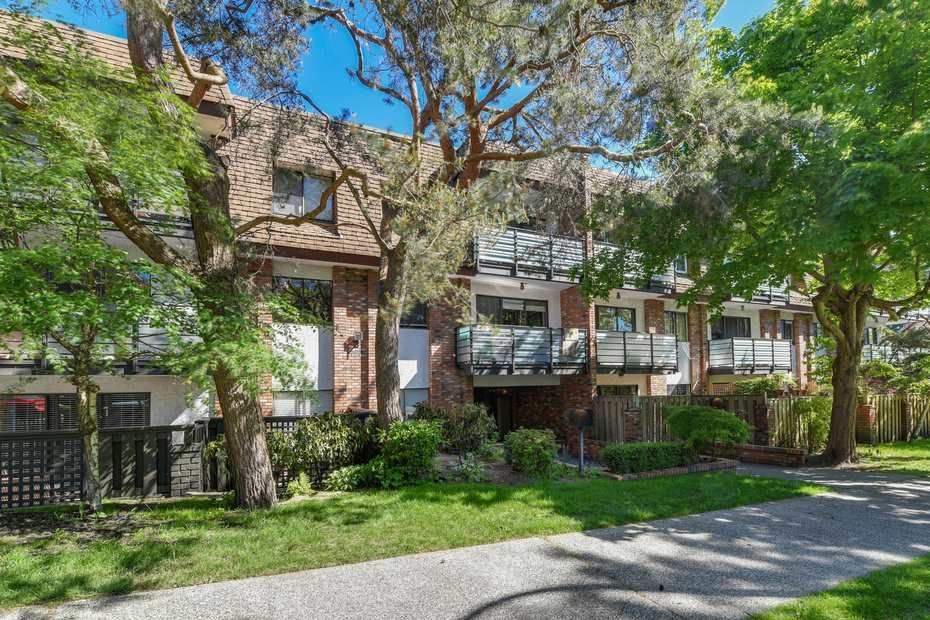 """Photo 5: Photos: 302 1933 W 5TH Avenue in Vancouver: Kitsilano Condo for sale in """"SAHLANO PLACE"""" (Vancouver West)  : MLS®# R2073154"""