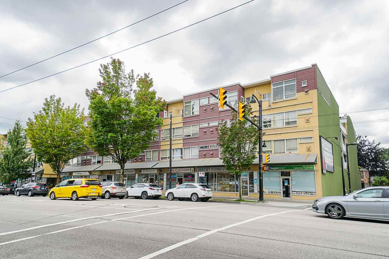 Main Photo: 215 2238 KINGSWAY in Vancouver: Victoria VE Condo  (Vancouver East)  : MLS®# R2506921
