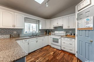 Photo 12: 734 Murray Crescent in Warman: Residential for sale : MLS®# SK856528