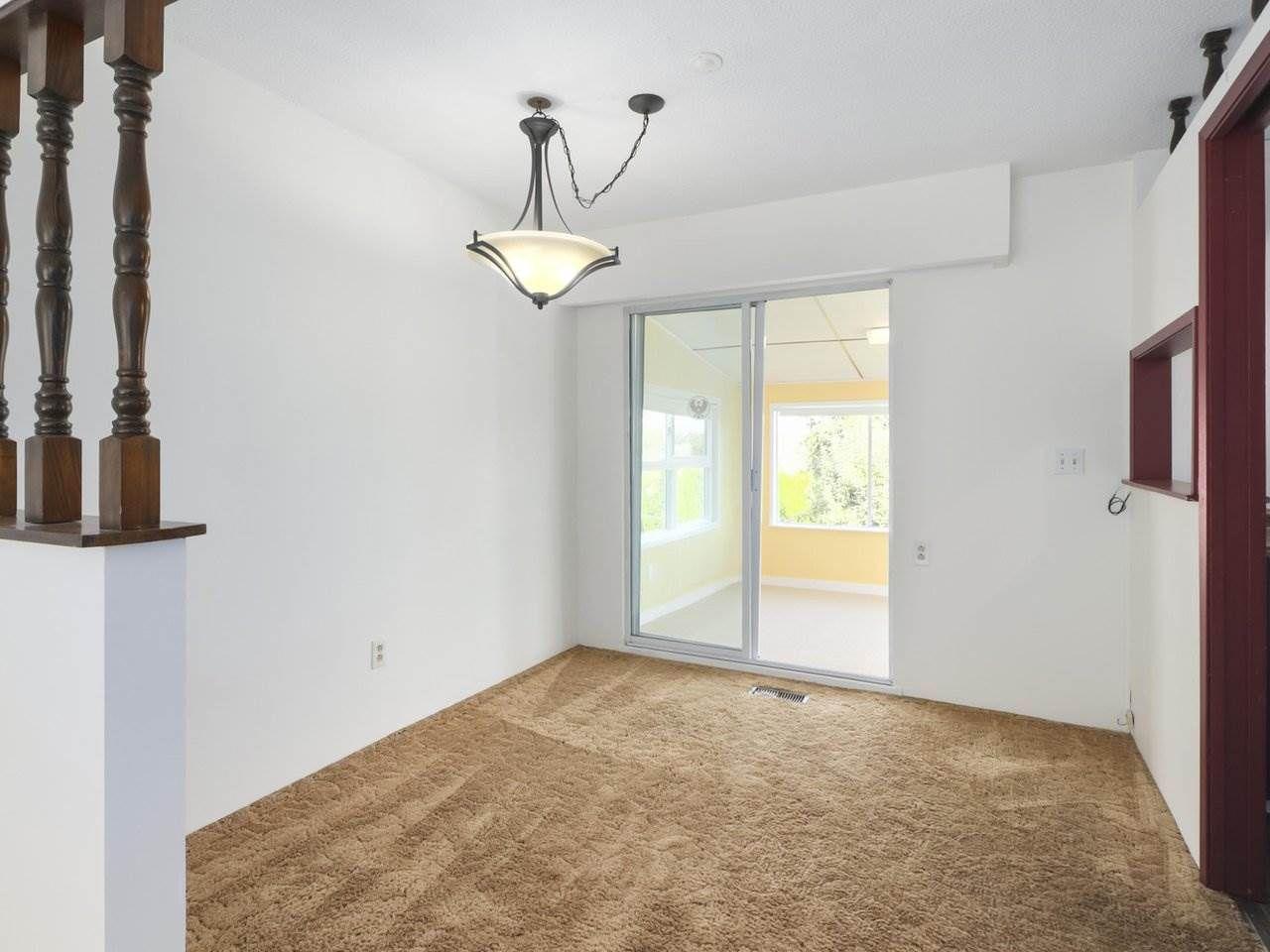 Photo 6: Photos: 1426 KENT Street: White Rock House for sale (South Surrey White Rock)  : MLS®# R2406738