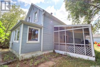 Photo 2: 901 14th ST W in Prince Albert: House for sale : MLS®# SK850142