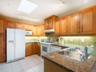 """Photo 7: 304 3088 W 41ST Avenue in Vancouver: Kerrisdale Condo for sale in """"LANESBOROUGH"""" (Vancouver West)  : MLS®# R2323364"""