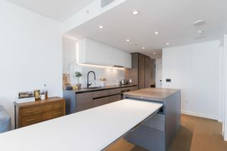 """Photo 4: 2305 620 CARDERO Street in Vancouver: Coal Harbour Condo for sale in """"CARDERO"""" (Vancouver West)  : MLS®# R2603652"""