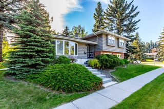 Photo 2: 6747 Leeson Court SW in Calgary: Lakeview Detached for sale : MLS®# A1076183