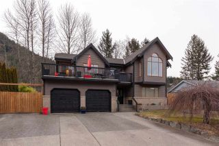 "Photo 1: 41362 DRYDEN Road in Squamish: Brackendale House for sale in ""BRACKENDALE"" : MLS®# R2539818"