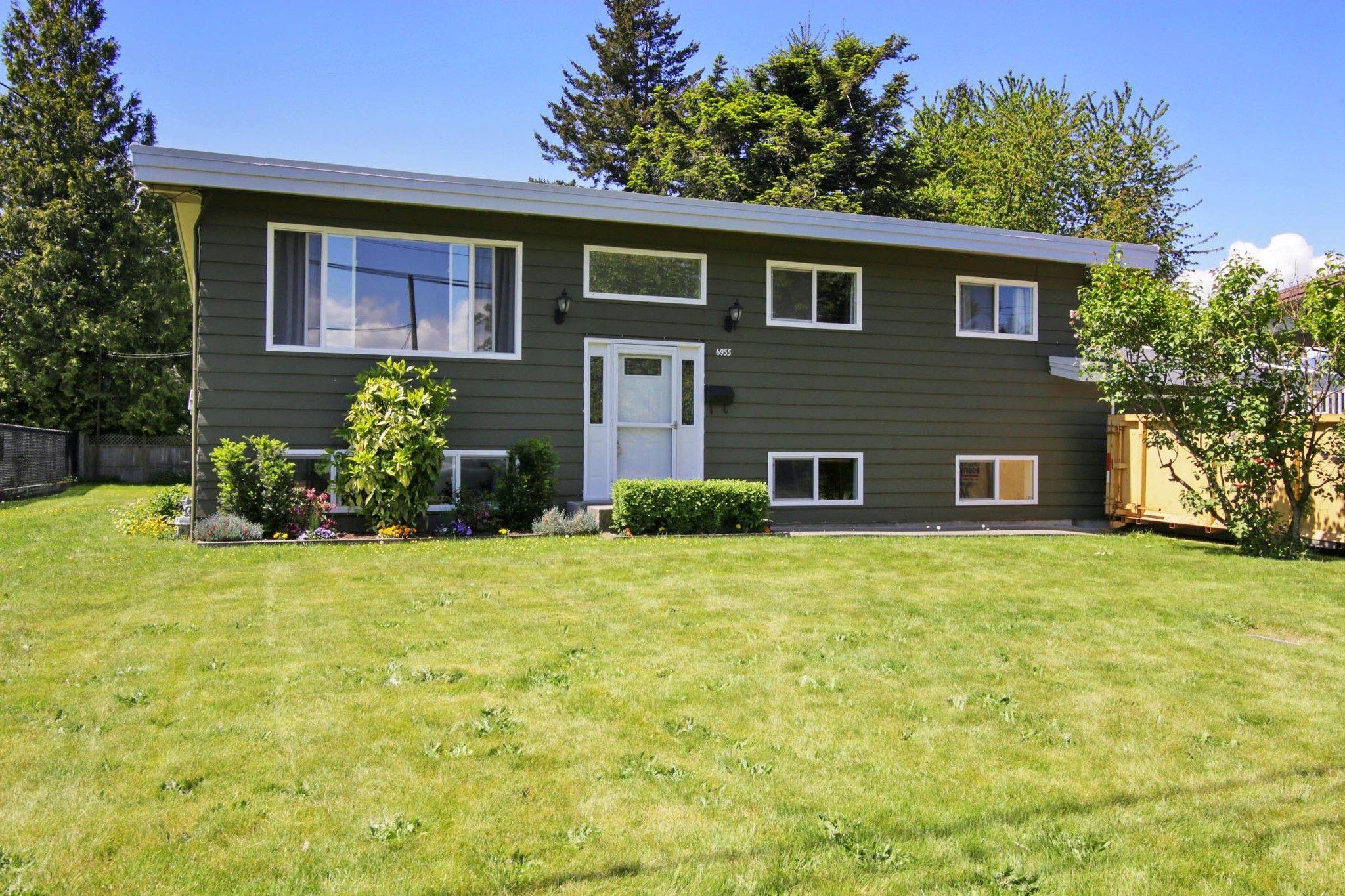 Main Photo: 6955 CENTENNIAL Drive in Chilliwack: Sardis East Vedder Rd House for sale (Sardis)  : MLS®# R2580834
