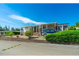 """Photo 32: 1 27111 0 Avenue in Langley: Aldergrove Langley Manufactured Home for sale in """"Pioneer Park"""" : MLS®# R2605762"""