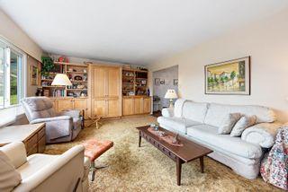 Photo 3: 2026 Cedar Cres in : CV Courtenay City House for sale (Comox Valley)  : MLS®# 874733