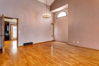 Photo 7: 503 Woodbriar Place SW in Calgary: Woodbine Detached for sale : MLS®# A1062394