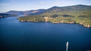 Photo 2: 230 Smith Rd in : GI Salt Spring House for sale (Gulf Islands)  : MLS®# 885042