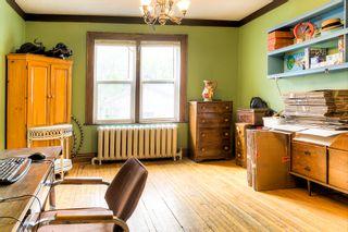 Photo 3: 874 Grosvenor Avenue in Winnipeg: Crescentwood Single Family Detached for sale (1B)  : MLS®# 1813359