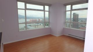 """Photo 7: 2907 438 SEYMOUR Street in Vancouver: Downtown VW Condo for sale in """"CONFERENCE PLAZA"""" (Vancouver West)  : MLS®# R2126609"""