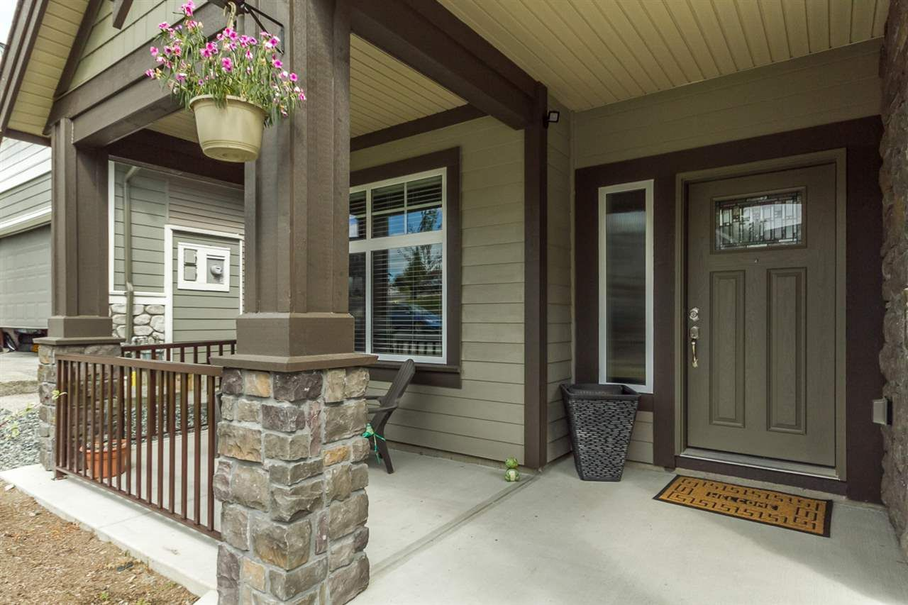 Photo 3: Photos: 33925 MCPHEE Place in Mission: Mission BC House for sale : MLS®# R2519119