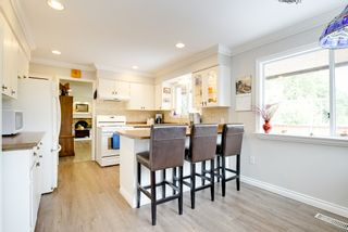 Photo 8: 24105 61 Avenue in Langley: House for sale