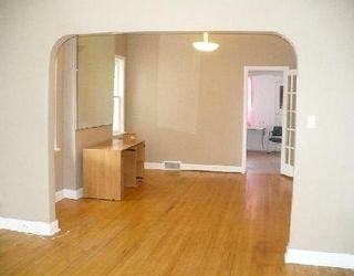 Photo 3: 435 MOUNTAIN AV in WINNIPEG: Residential for sale (Canada)  : MLS®# 2915210