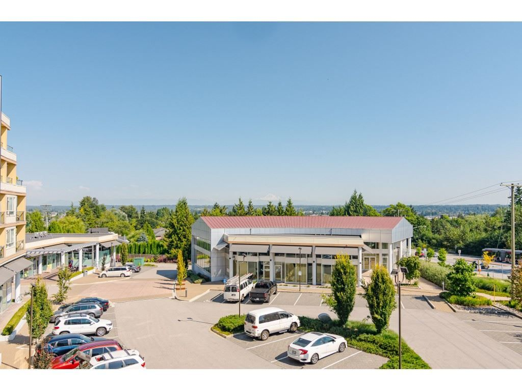 """Photo 19: Photos: 315 19228 64 Avenue in Surrey: Clayton Condo for sale in """"FOCAL POINT"""" (Cloverdale)  : MLS®# R2481765"""