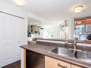 """Photo 13: 8 3477 COMMERCIAL Street in Vancouver: Victoria VE Townhouse for sale in """"La Villa"""" (Vancouver East)  : MLS®# R2552698"""