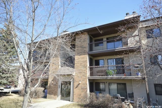 Main Photo: 302 305 Kingsmere Boulevard in Saskatoon: Lakeview SA Residential for sale : MLS®# SK841489