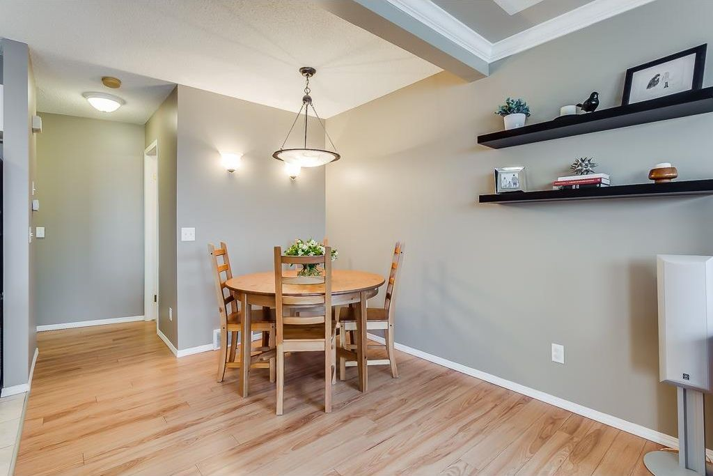 Photo 11: Photos: 137 MILLVIEW Square SW in Calgary: Millrise House for sale : MLS®# C4145951