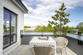 """Photo 19: PH10 2468 BAYSWATER Street in Vancouver: Kitsilano Condo for sale in """"THE BAYSWATER"""" (Vancouver West)  : MLS®# R2461523"""