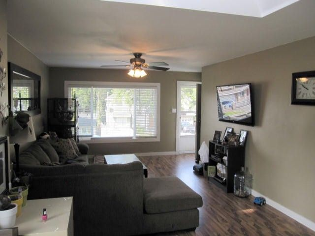 """Photo 3: Photos: 11790 97TH Avenue in Surrey: Royal Heights House for sale in """"ROYAL HEIGHTS"""" (North Surrey)  : MLS®# F1414651"""