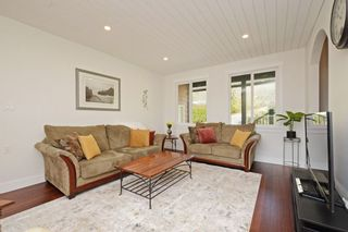 Photo 3: 29880 SILVERDALE AVENUE in Mission: Mission-West House for sale : MLS®# R2359145