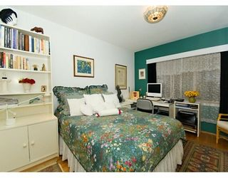 """Photo 8: 2015 HARO Street in Vancouver: West End VW Condo for sale in """"ARNISTON APARTMENTS"""" (Vancouver West)  : MLS®# V626262"""