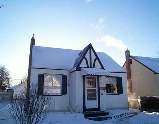 Main Photo: 304 WINTERTON Avenue in WINNIPEG: East Kildonan Single Family Detached for sale (North East Winnipeg)  : MLS®# 2417070