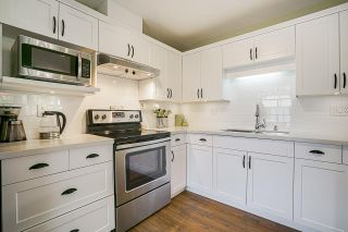 """Photo 12: 34 4740 221 Street in Langley: Murrayville Townhouse for sale in """"EAGLECREST"""" : MLS®# R2554936"""