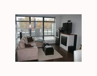 """Photo 3: 303 610 VICTORIA Street in New_Westminster: Downtown NW Condo for sale in """"THE POINT"""" (New Westminster)  : MLS®# V752924"""