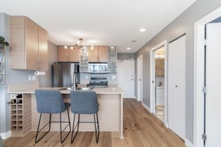 """Photo 8: 1409 977 MAINLAND Street in Vancouver: Yaletown Condo for sale in """"YALETOWN PARK 3"""" (Vancouver West)  : MLS®# R2595061"""