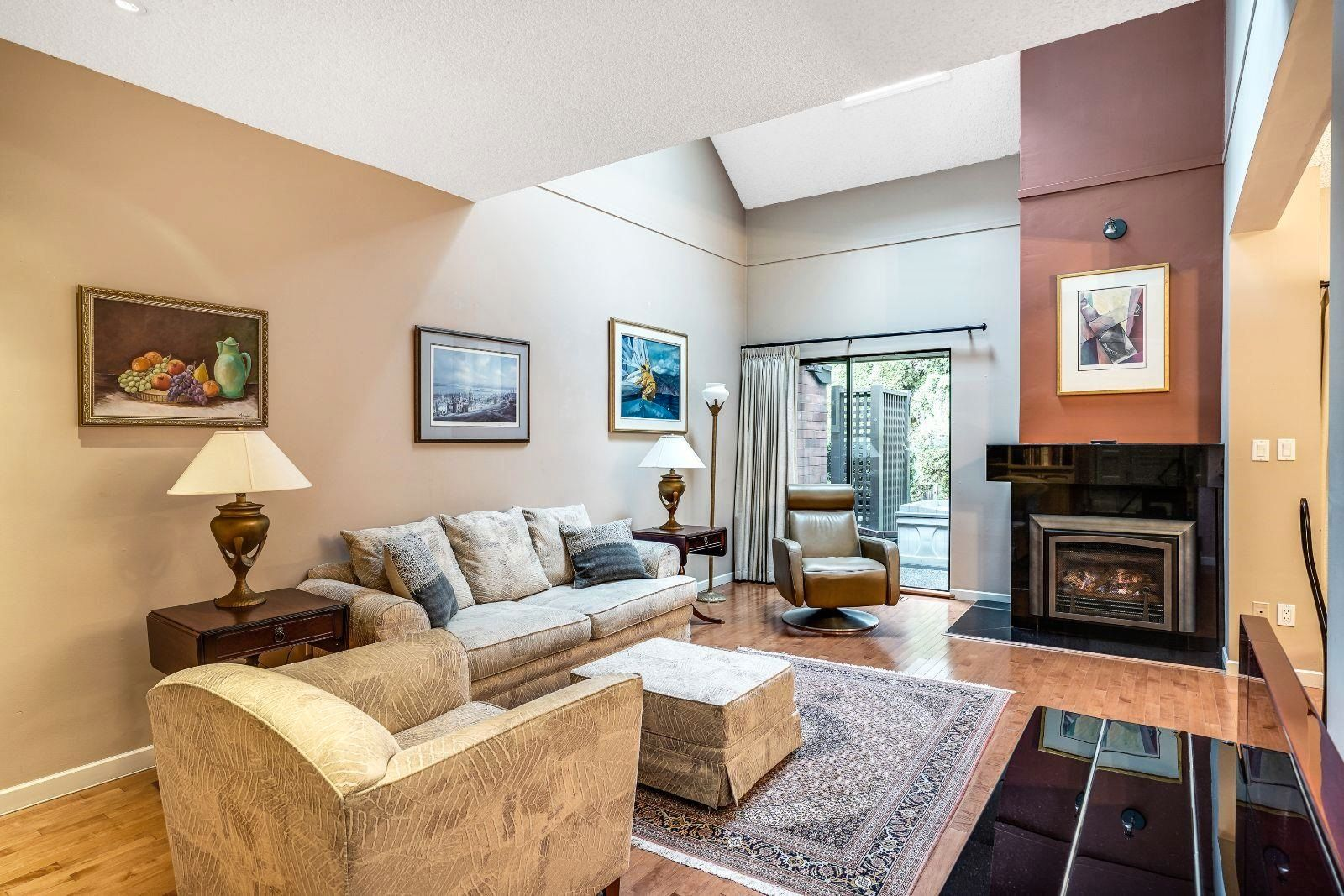 """Main Photo: 6522 PINEHURST Drive in Vancouver: South Cambie Townhouse for sale in """"Langara Estates"""" (Vancouver West)  : MLS®# R2619741"""