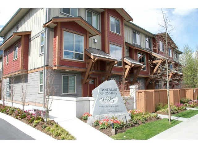 """Main Photo: 37 40653 TANTALUS Road in Squamish: Tantalus Townhouse for sale in """"TANTALUS CROSSING"""" : MLS®# V1089124"""