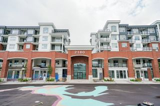 """Photo 1: 4410 2180 KELLY Avenue in Port Coquitlam: Central Pt Coquitlam Condo for sale in """"Montrose Square"""" : MLS®# R2614881"""