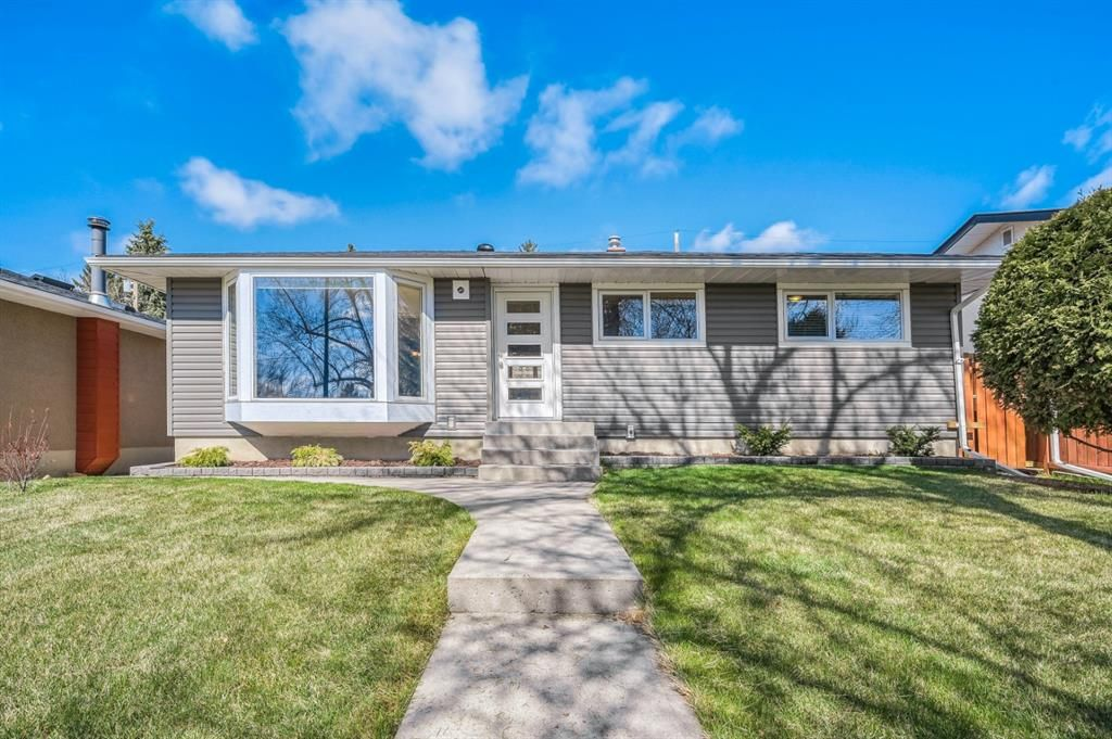 Main Photo: 7407 Fountain Road SE in Calgary: Fairview Detached for sale : MLS®# A1103326