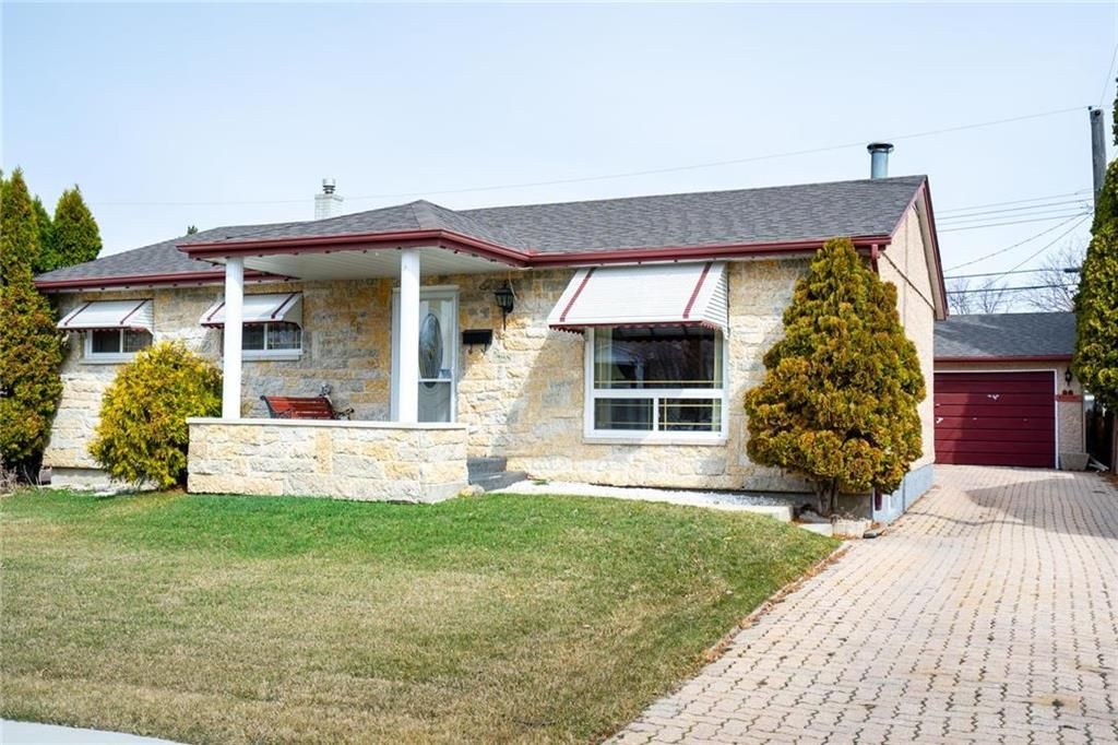 Main Photo: 26 Colonial Court in Winnipeg: Canterbury Park Residential for sale (3M)  : MLS®# 1914652