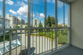 """Photo 16: 205 31930 OLD YALE Road in Abbotsford: Abbotsford West Condo for sale in """"Royal Court"""" : MLS®# R2413572"""