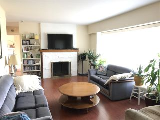 "Photo 5: 1326 COTTONWOOD Crescent in North Vancouver: Norgate House for sale in ""Norgate"" : MLS®# R2199125"