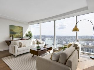"""Photo 3: 4703 938 NELSON Street in Vancouver: Downtown VW Condo for sale in """"One Wall Centre"""" (Vancouver West)  : MLS®# R2155390"""