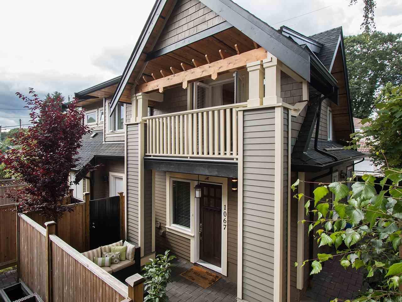 Main Photo: 1067 E 22ND AVENUE in : Fraser VE 1/2 Duplex for sale : MLS®# R2089946
