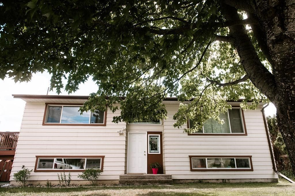 Main Photo: 905 EIGHTH STREET in Salmo: House for sale : MLS®# 2459650