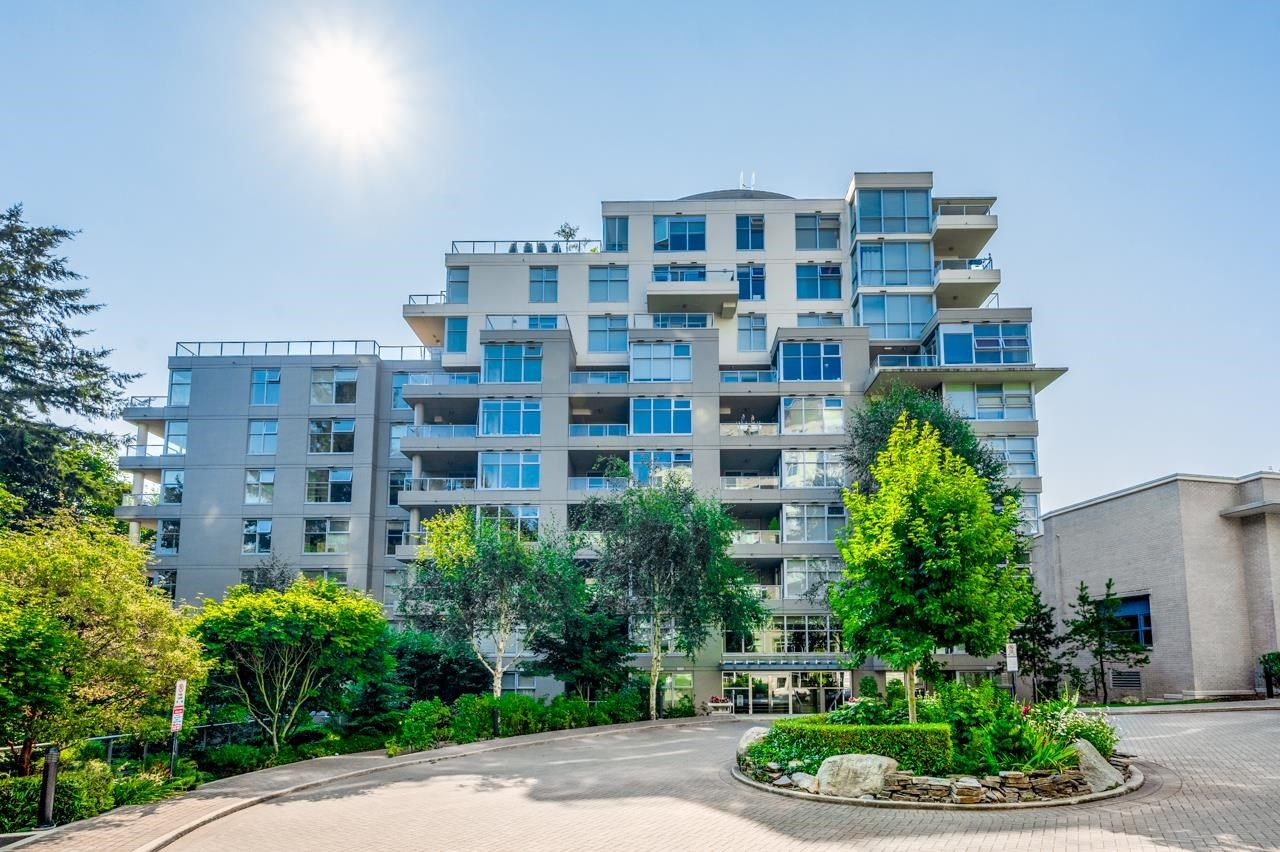 Main Photo: 607 9262 UNIVERSITY Crescent in Burnaby: Simon Fraser Univer. Condo for sale (Burnaby North)  : MLS®# R2606366