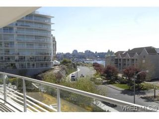 Photo 9: 212 68 Songhees Rd in VICTORIA: VW Songhees Condo for sale (Victoria West)  : MLS®# 499543