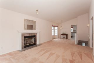 """Photo 3: 1 13982 72 Avenue in Surrey: East Newton Townhouse for sale in """"Upton Place"""" : MLS®# R2269958"""